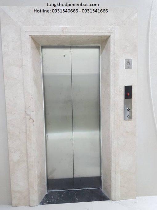đá marble trắng thang máy đẹp