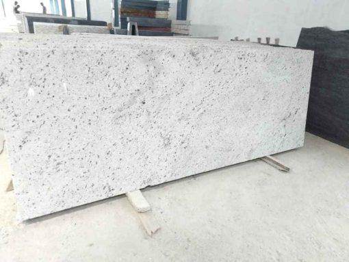 2e15b83378e682b8dbf7 510x383 - Đá tự nhiên granite colonial white india