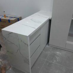 da op bep1 12 247x247 - Đá trắng vân dây nhân tạo
