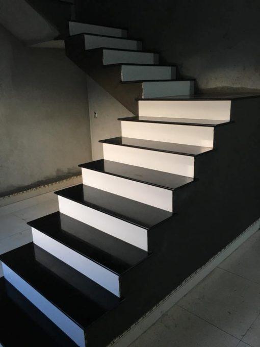 da cau thang den5 - Đá cầu thang đen