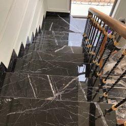 da granite op cau thang den tia chop nhap khau - Đá granite ốp cầu thang đen tia chớp nhập khẩu Ấn Độ