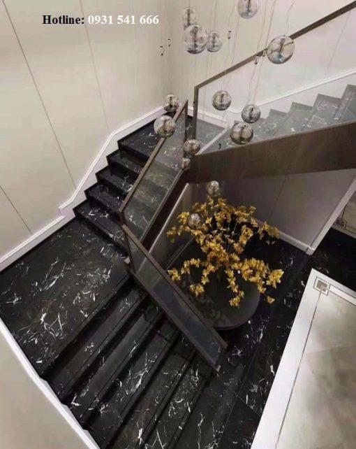 da op cau thang 3 510x642 - Đá granite ốp cầu thang đen tia chớp nhập khẩu Ấn Độ