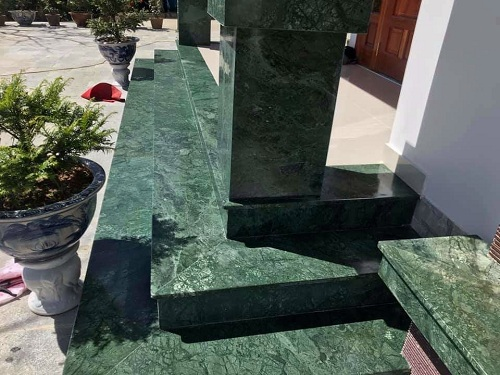 da cau thang granite mau xanh dua hau nhap khau 1 - Đá cầu thang granite màu xanh dưa hấu - Nhập khẩu Ấn Độ