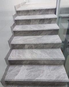 da cau thang xam y granite 1 240x300 - Đá cầu thang xám ý - granite